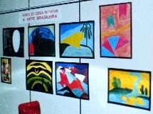Exposi��o dos trabalhos dos alunos (arte brasileira).