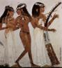 Afresco encontrado em Tebas, Egito. c. 1422 a 1411 a.C. que mostra um grupo de mulheres tocando flauta, alaúde e harpa. <br/><br/> Palavras-chave: afresco, mulheres tocando flauta, alaúde e harpa, arte egípcia