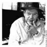 Jobim, foi um compositor, maestro, pianista, cantor, arranjador e violonista brasileiro. É considerado um dos maiores expoentes da música brasileira e um dos criadores do movimento da Bossa Nova. Tom Jobim é um dos nomes que melhor representa a música brasileira na segunda metade do século XX .