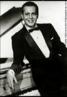 Dick Farney, nome artístico de Farnésio Dutra e Silva, foi cantor pianista e compositor além de contribuiu decisivamente à renovação de música popular brasileira com a incorporação do jazz em harmonias e estilo.